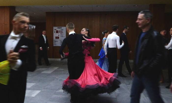 Na chodbě se také tančilo. Foto: Kristýna Klazarová