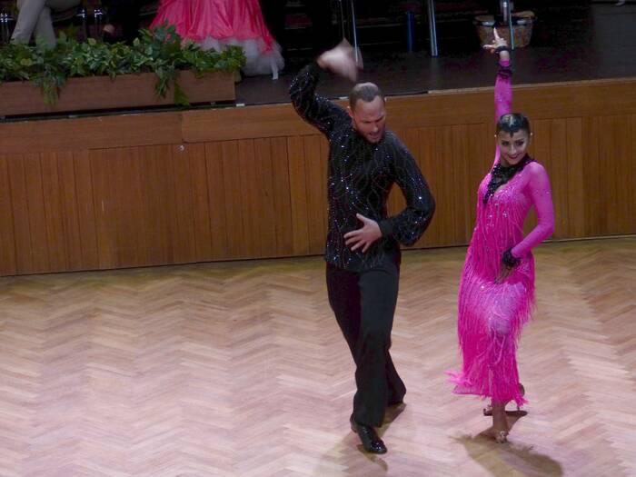 Soutěž měla opravdu mezinárodní účast, kategorie vycházejících hvěz latinskoamerických tanců neměla ani českého účastníka. Foto: Kristýna Klazarová