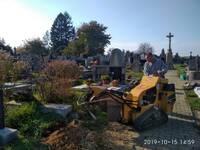 2019-10-16 Likvidace pařezů na hřbitově