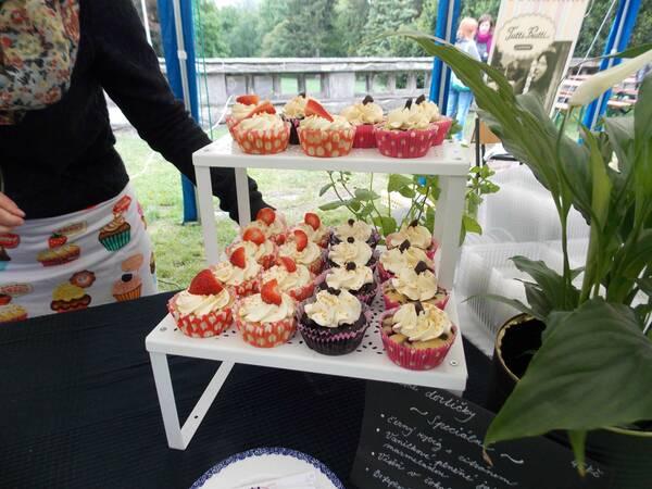 Jedným z ponúkaných občerstvení boli aj cupcaky. / Autor: Maša Kalčoková