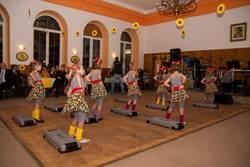 5. Podzimní benefiční ples Za jeden provaz 2013