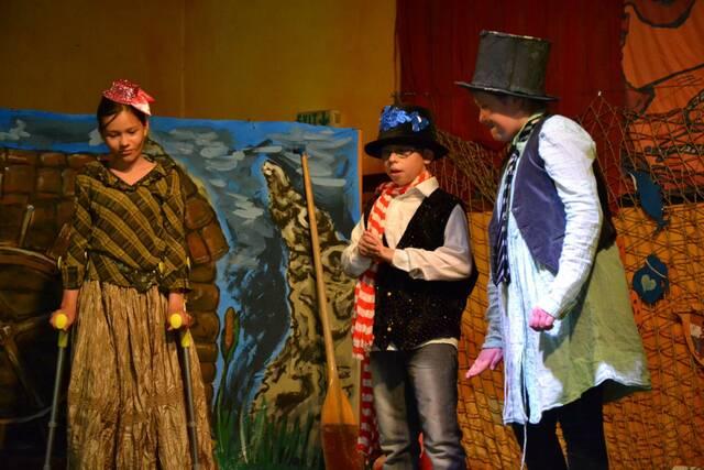 Divadelní představení pro rodiče ke Dni matek